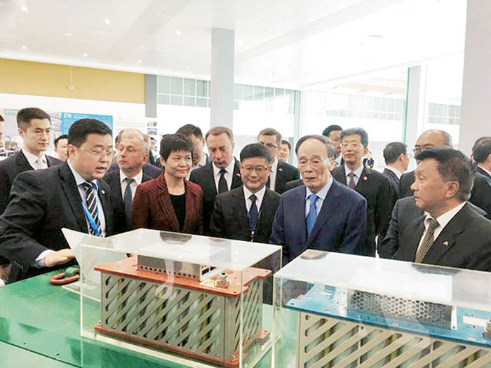 2018年国家副主席王岐山参观考察betway下载奥威超级电容