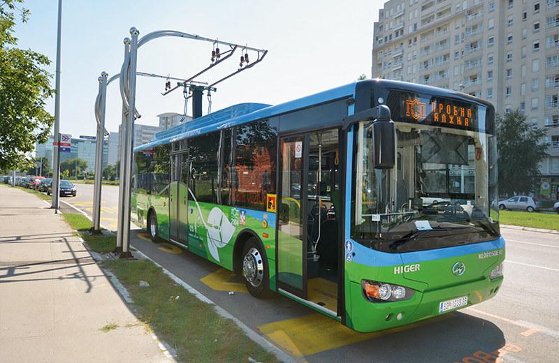 贝尔格莱德街头的超级电容公交车